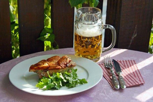 MünchnerSchnitzel_Bier.jpg