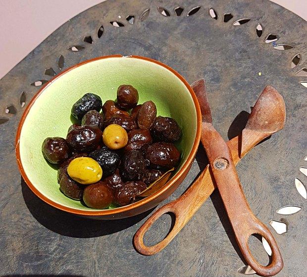 OlivenmitOlilvenzange